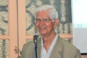 Cultura: padre Júlio apresenta a vida de Monsenhor Gonzalez na Academia de Letras de Manhuaçu