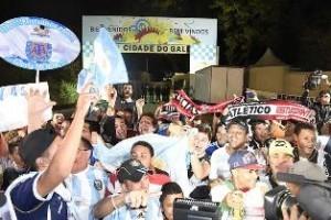 Copa do Mundo: Argentina foi recebida com festa na Cidade do Galo
