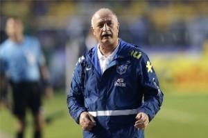 Copa do Mundo: Felipão defende Oscar de críticas após atuação