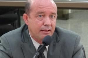 """Manhuaçu: vereador repudia atuação de Secretário e questiona: """"quem é o prefeito?"""""""