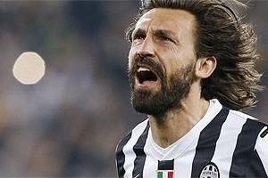 Itália: Andrea Pirlo renova com a Juventus até metade de 2016