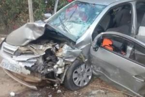 Manhuaçu: acidente na MG 111 mata uma pessoa. Batida entre dois veículos