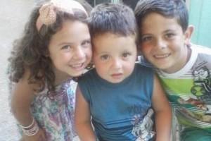 São João do Manhuaçu: crianças vítimas de acidente são sepultadas