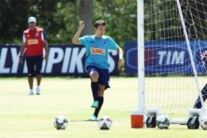 Minas: Cruzeiro treina para pegar o Vitória; Atlético divulga convocados para Recopa; América joga nesta terça, 15/07