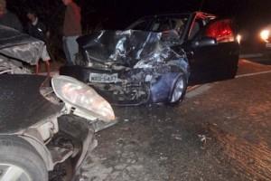 Martins Soares: acidente deixa 8 pessoas feridas na BR 262