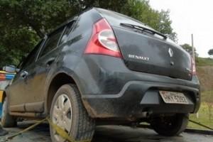 Manhuaçu: carro roubado e até preso com tornozeleira são pegos em Realeza