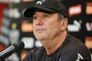 Minas: Levir Culpi acaba com concentração; Cruzeiro pode contar com Willian