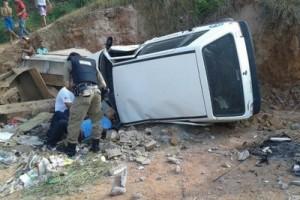 Reduto: carro despenca do viaduto da BR 262