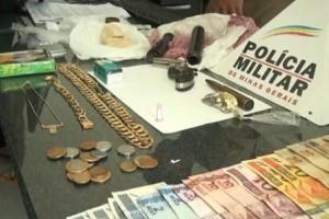 Ubaporanga: PM apreende crack e cocaína. Uma pessoa é presa na operação