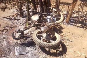 Divino: motociclista é assassinado e moto incendiada no córrego Neblina