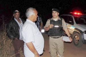 Divino: dupla assalta e ameaça taxista. R$ 1.400,00 roubados