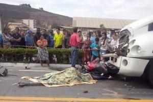 Ibatiba/ES: Pai e filha de 11 anos são mortos por carreta na BR 262
