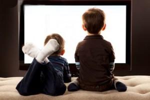 Vida e Saúde: Quando assistir televisão prejudica o desenvolvimento infantil