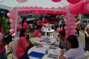 """Manhuaçu: Campanha """"Outubro Rosa"""" é intensificada no centro da cidade"""