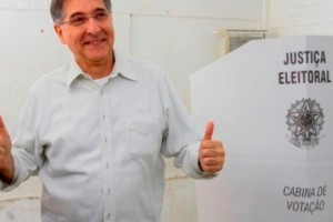 Pimentel é o novo governador de Minas Gerais. 52,98% contra 41,89%