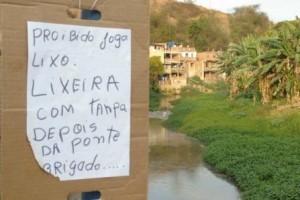 Manhuaçu: População pede limpeza do rio. Previsão para o dia 3 de novembro
