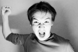 Vida e Saúde: Como uma pessoa calma repentinamente pode se tornar agressiva e violenta