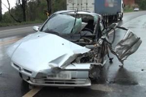 Santa Bárbara do Leste: Moradores de Manhuaçu ficam feridos em acidente na BR 116