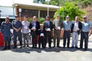 Manhuaçu: Corpo de Bombeiros homenageia Prefeitura