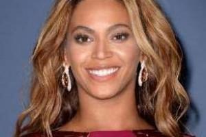 Grammy 2015: Beyoncé lidera com cinco indicações e bate recorde