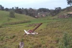 Manhuaçu: Ultraleve faz pouso forçado em pasto na região do aeroporto de Santo Amaro de Minas