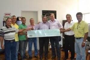Manhuaçu: Vereadores são recebidos pelo Prefeito Nailton Heringer. Câmara devolve recursos economizados