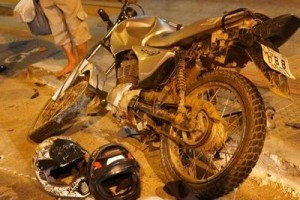 Manhuaçu: Polícia persegue e prende dois suspeitos com motocicleta furtada no Centro
