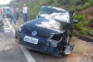 Inhapim: Acidente mata uma pessoa e deixa dois feridos na BR 116