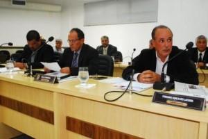 Manhuaçu: Câmara aprova contas de 2012, 2013 e libera recursos para entidades