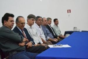 Manhuaçu: Prefeitura e Grupo Líder lançam projeto do centro de distribuição de alimentos