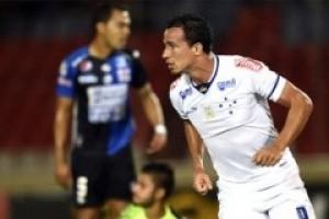 Libertadores: Cruzeiro vence e assume a liderança