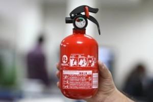 Extintor: Uso passa a ser opcional em carros a partir de segunda-feira