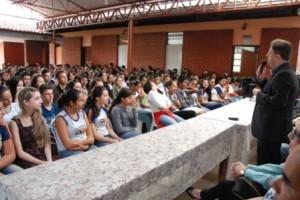 """Reduto: OAB leva projeto """"OAB vai à Escola""""  até a vizinha cidade de Manhuaçu"""
