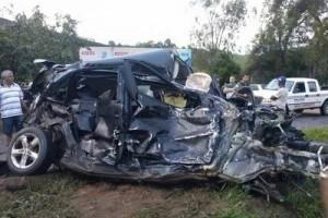 Santa Margarida: Morador de Carangola morre de acidente na BR 262. Carro bateu em carreta