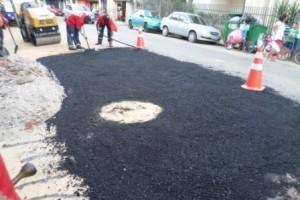 Manhuaçu: Prefeitura prossegue com serviços de reparos de buracos