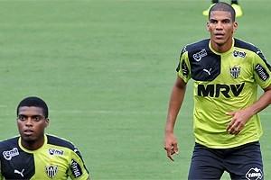 Atlético: Leonardo Silva treina e pode jogar no domingo