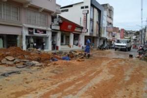 Manhuaçu: SAAE faz reparos no centro da cidade
