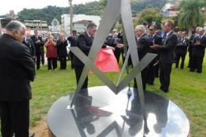 Manhuaçu: Maçonaria inaugura obelisco no trevo do Cafeicultor