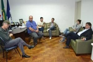 Manhuaçu: Nailton Heringer recebe visita de representante do MT