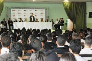 """Manhuaçu: Colégio Tiradentes recebe """"OAB vai à Escola"""""""