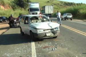 Ubaporanga: Duas pessoas  se ferem em acidente na BR 116