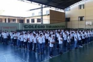 Manhuaçu: Mais de 300 jovens prestam compromisso à Bandeira