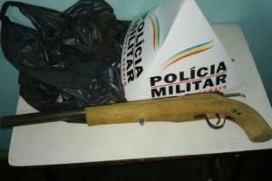 Manhuaçu: Foge da PM e esquece arma de fogo