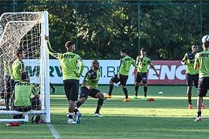 Brasileirão: Atlético recebe o Santos nesta quarta