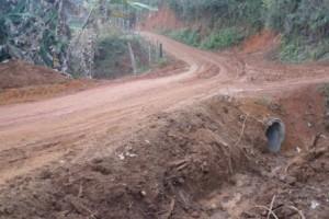 Manhuaçu: Prefeitura melhora estradas no Córrego São Sebastião
