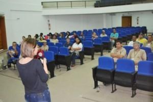 Manhuaçu: Saúde treina equipe para vacinação antirrábica. Começa dia 22