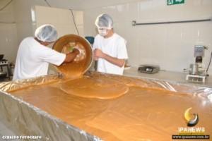 Ipanema: Doce de leite gigante pronto para festa do queijo
