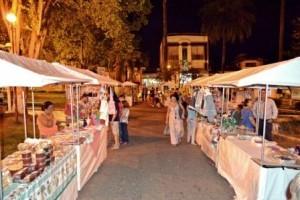Manhuaçu: Sexta Cultural de artesanato e comida na praça