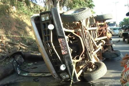 motorista-morre-queda-de-carro-2