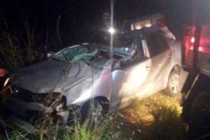 Manhuaçu: Motorista morre após bater em árvore na BR 116